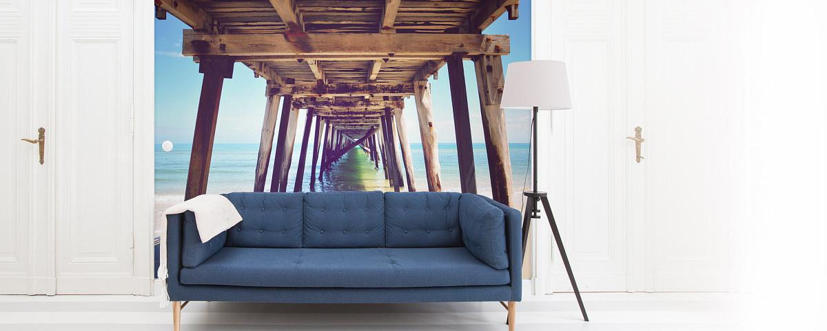 Steg Von Unten Blaue Couch Fototapete Frontal