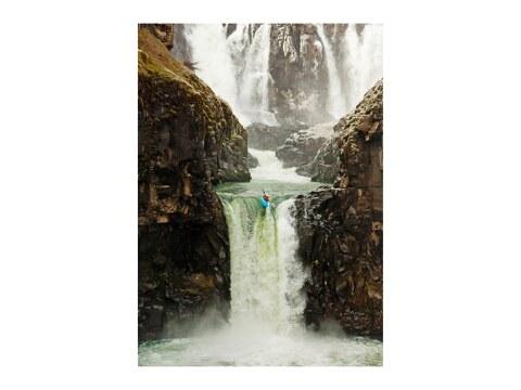 Wasserfall Sprung im Kajak