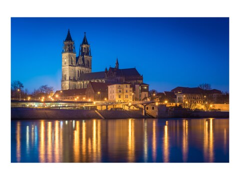 Blaue Stunde am Dom in Magdeburg