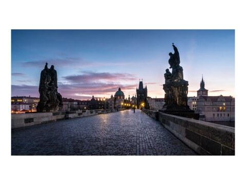 Karluv most vor Sonnenaufgang