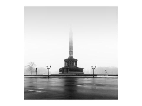 Siegessaeule im Nebel